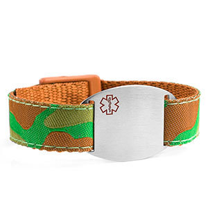 Medical ID bracelet with camouflage print. Engraving is possible at the front and back.